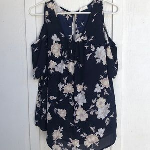 Floral Top with peep shoulder